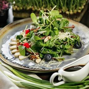 Микс салат с грушей
