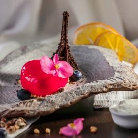 Пирожное «из Парижа с любовью»